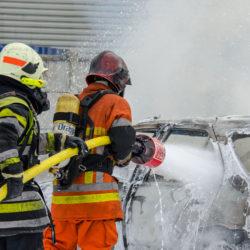 emulseur anti-incendie feu de voiture